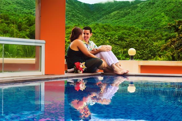 relaxace u bazénu