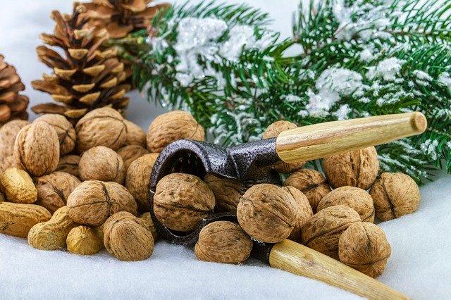 vlašské ořechy s louskáčkem