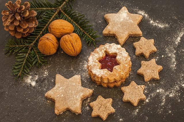 vánoční cukroví s vlašskými ořechy