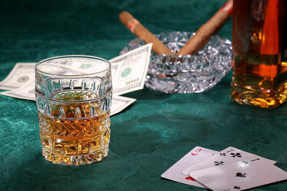sklenice whisky